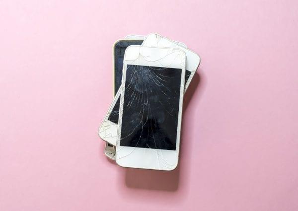 zepsute telefony